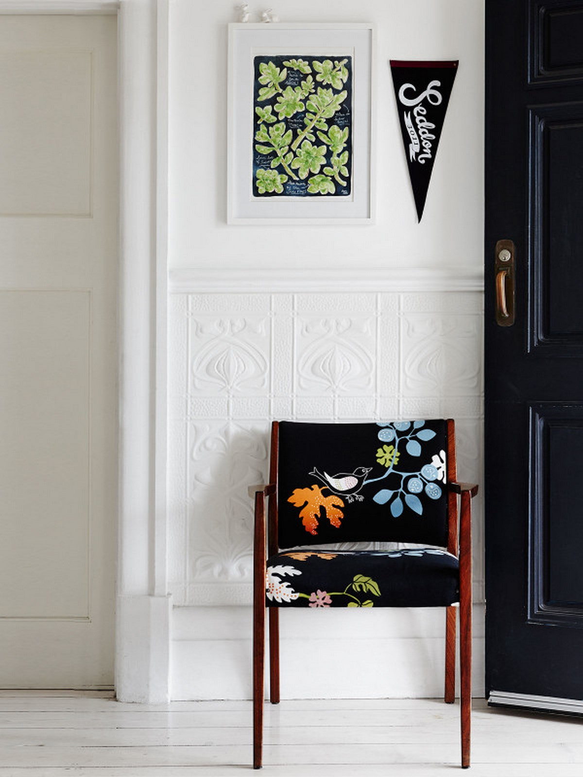 6-home-enterance-design-with-shigle-black-blue-wooden-chair-and-white-wall-painted-ideas