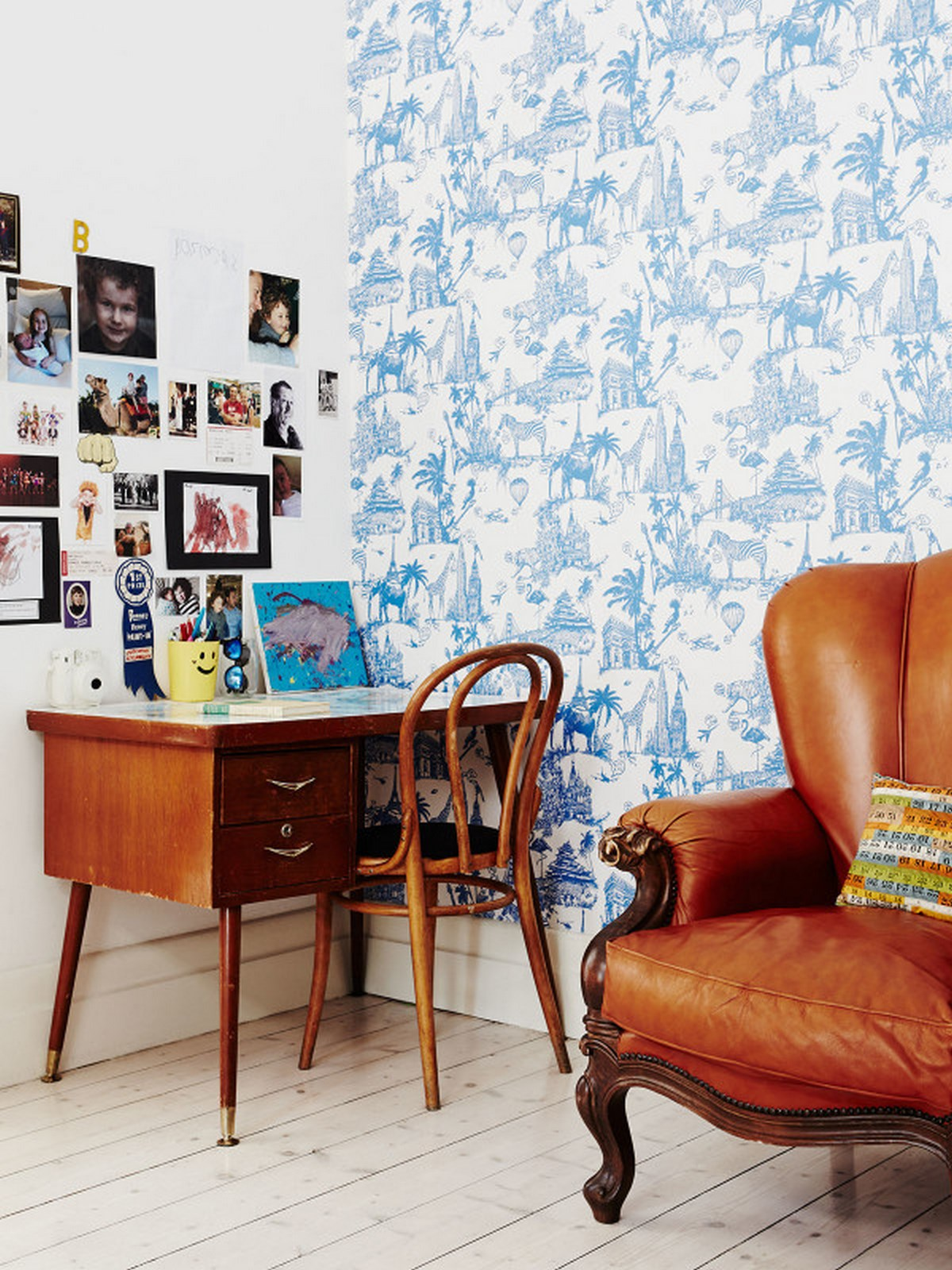 9-study-room-kids-design-with-wallpaper-picture-frame-ideas-with-wooden-floor-and-wooden-rattan-chair