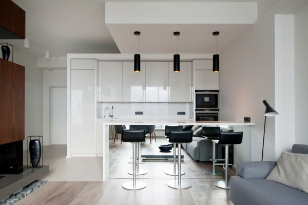 Pendant-black-lights-over-white-kitchen-bar